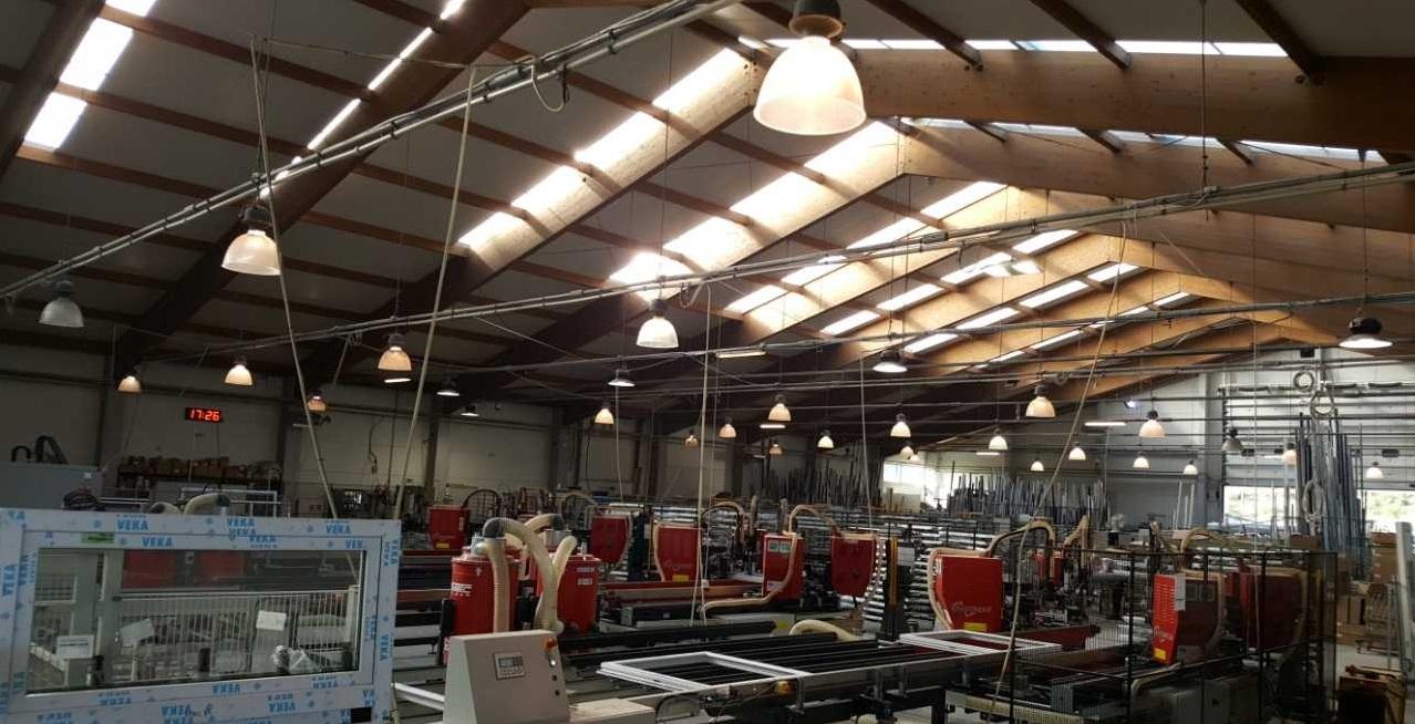 Roboty do łączenia kształtowego w fabryce KNS